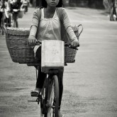 The delivery girl : 01, Siem Reap, Cambodia